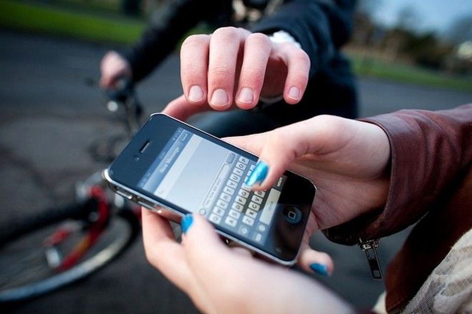 6 Ways to keep your cellphones safe